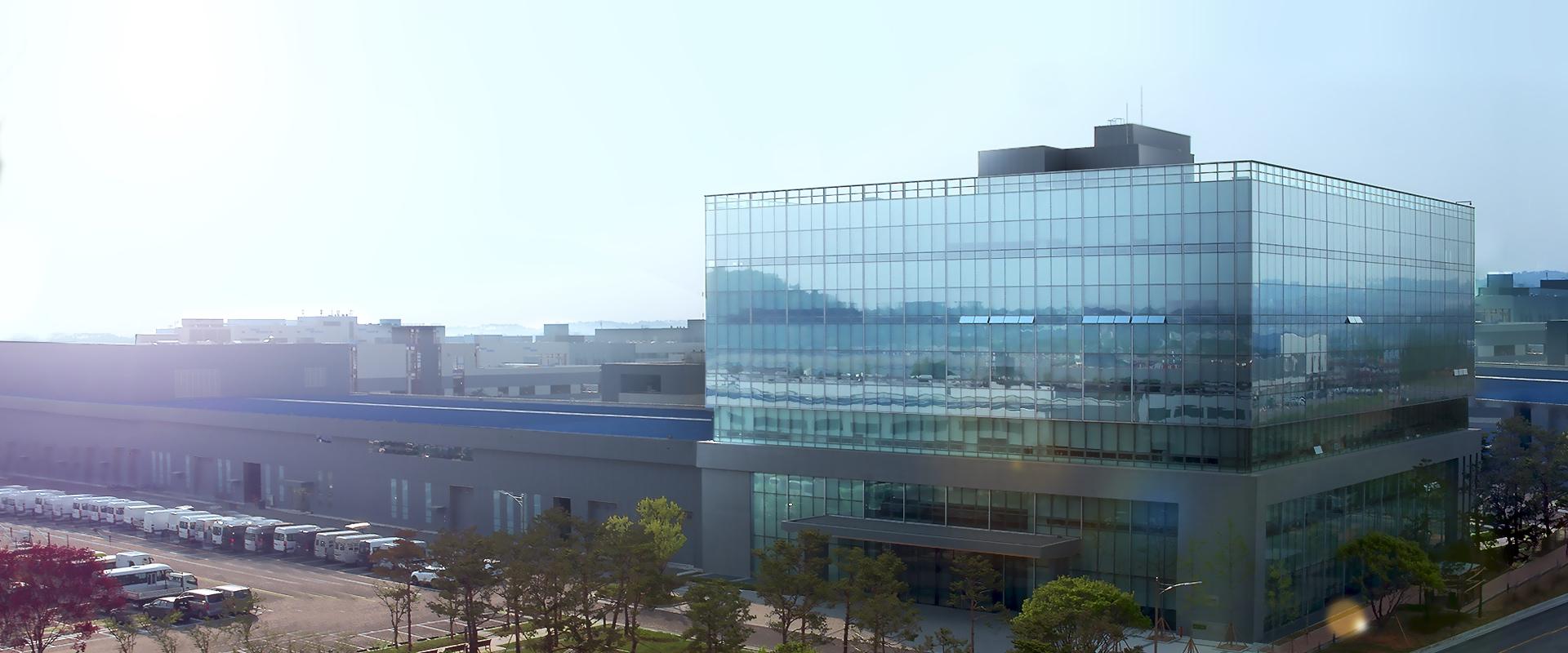 Centro de I+D y Centro de diseño