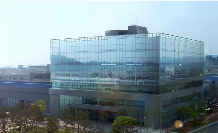 مركز البحث والتطوير ومركز التصميم