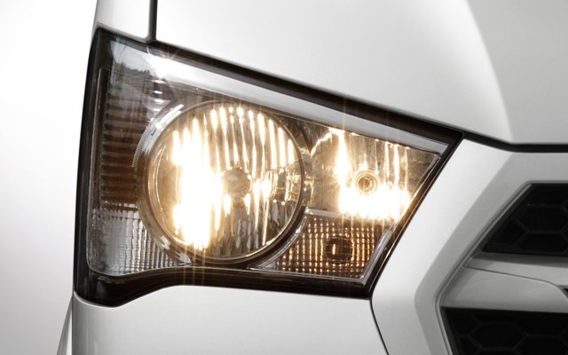 MFR Headlamps (Standard/Deluxe Trim)